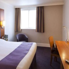 Отель Premier Inn London Waterloo комната для гостей