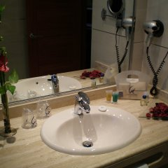 Hotel Clement Barajas ванная фото 2