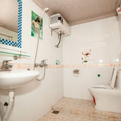 Halong Party Hostel ванная фото 2