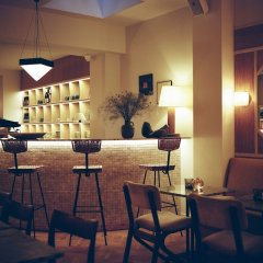 Отель Hôtel Habituel гостиничный бар