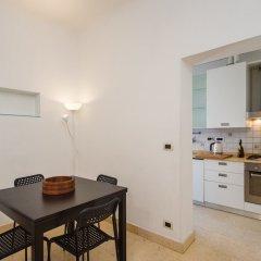 Отель Hintown Castelletto City Генуя в номере