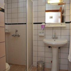Tekirova Pansiyon Турция, Кемер - отзывы, цены и фото номеров - забронировать отель Tekirova Pansiyon онлайн ванная