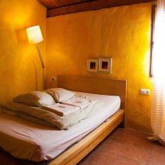 Отель Fuente del Lobo Bungalows - Adults Only сейф в номере