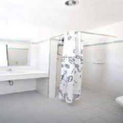 Отель Karon Cliff Bungalows ванная фото 2