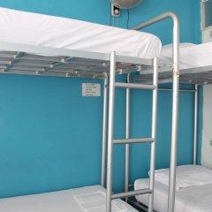 Phuket Backpacker Hostel Пхукет бассейн