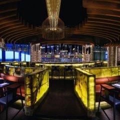 Jumeirah at Etihad Towers Hotel гостиничный бар
