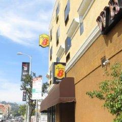 Отель Super 8 by Wyndham Hollywood/LA Area США, Лос-Анджелес - отзывы, цены и фото номеров - забронировать отель Super 8 by Wyndham Hollywood/LA Area онлайн парковка
