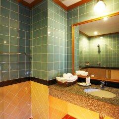Отель Khaolak Bay Front Resort ванная фото 2
