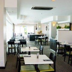 Отель Holiday Inn London Brent Cross питание фото 3