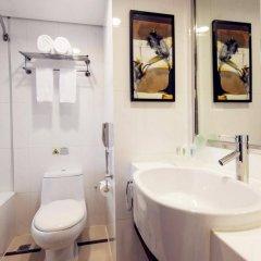 Отель Holiday Inn Shanghai Hongqiao Central ванная фото 2
