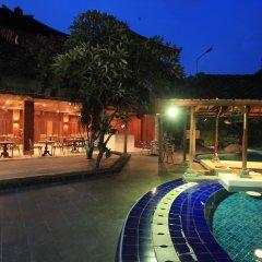 Отель Matahari Bungalow бассейн