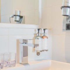 Отель Max Brown Musuem Square Нидерланды, Амстердам - отзывы, цены и фото номеров - забронировать отель Max Brown Musuem Square онлайн ванная