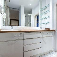 Отель Apartamento Fuencarral V Испания, Мадрид - отзывы, цены и фото номеров - забронировать отель Apartamento Fuencarral V онлайн ванная