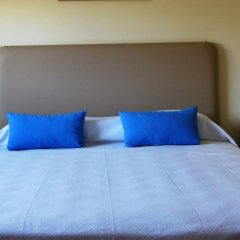 Hotel Praia do Burgau - Turismo de Natureza сейф в номере