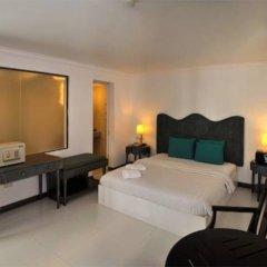 Erus Suites Hotel сейф в номере