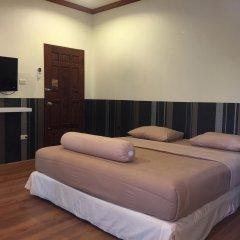 Отель Phuket Airport Suites & Lounge Bar - Club 96 Стандартный номер с различными типами кроватей фото 4