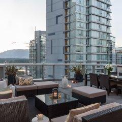 Отель Loden Vancouver Канада, Ванкувер - отзывы, цены и фото номеров - забронировать отель Loden Vancouver онлайн балкон