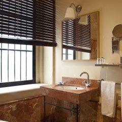 Отель Jeys Catedral Jerez Испания, Херес-де-ла-Фронтера - отзывы, цены и фото номеров - забронировать отель Jeys Catedral Jerez онлайн ванная фото 2