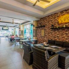 Отель Hallo Patong Dormtel And Restaurant Патонг гостиничный бар