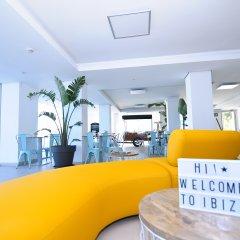 Отель Apartamentos Marina Playa - Adults Only Испания, Сан-Антони-де-Портмань - отзывы, цены и фото номеров - забронировать отель Apartamentos Marina Playa - Adults Only онлайн детские мероприятия фото 2