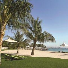 Traders Hotel Qaryat Al Beri Abu Dhabi, by Shangri-la пляж