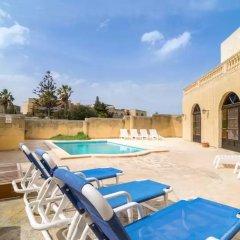 Отель Gozo Houses Of Character Виктория бассейн фото 3