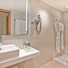 Отель NH Barcelona Les Corts Испания, Барселона - 1 отзыв об отеле, цены и фото номеров - забронировать отель NH Barcelona Les Corts онлайн ванная фото 2