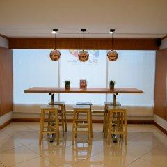 Отель Zen Rooms Ratchaprarop Бангкок комната для гостей