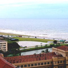 Отель Hilton Colombo Шри-Ланка, Коломбо - отзывы, цены и фото номеров - забронировать отель Hilton Colombo онлайн пляж фото 2