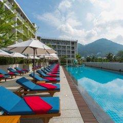 Отель Ramada by Wyndham Phuket Deevana Patong бассейн фото 9