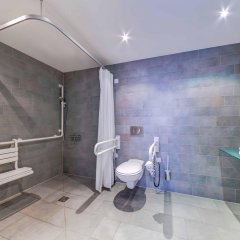 Отель Hilton Garden Inn Stuttgart Neckar Park ванная фото 2