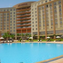 Movenpick Ambassador Hotel Accra бассейн фото 2