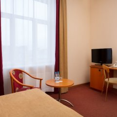 Гостиница Октябрьская комната для гостей фото 10