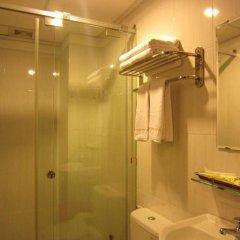 Отель Hoang Hoang Hotel Вьетнам, Хошимин - отзывы, цены и фото номеров - забронировать отель Hoang Hoang Hotel онлайн ванная фото 2