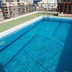 Отель Huli Hotel and Apartments Мальта, Каура - 2 отзыва об отеле, цены и фото номеров - забронировать отель Huli Hotel and Apartments онлайн бассейн фото 3