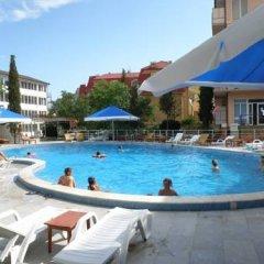 Гостиница Camelia-Kafa Hotel в Коктебеле 1 отзыв об отеле, цены и фото номеров - забронировать гостиницу Camelia-Kafa Hotel онлайн Коктебель бассейн