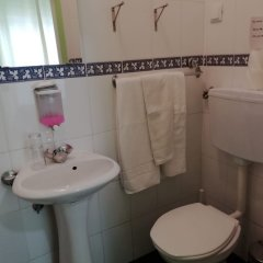 Отель Residencial Camoes Португалия, Лиссабон - отзывы, цены и фото номеров - забронировать отель Residencial Camoes онлайн ванная фото 2