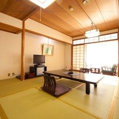 Отель Hinanosato Sanyoukan Япония, Хита - отзывы, цены и фото номеров - забронировать отель Hinanosato Sanyoukan онлайн комната для гостей фото 5