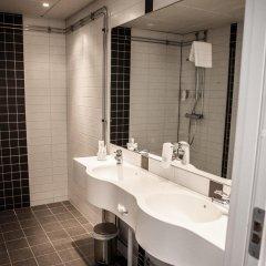 Отель First Hotel River C Швеция, Карлстад - отзывы, цены и фото номеров - забронировать отель First Hotel River C онлайн ванная фото 2