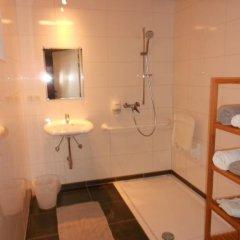 Отель De Grote Linde Бельгия, Осткамп - отзывы, цены и фото номеров - забронировать отель De Grote Linde онлайн ванная фото 2