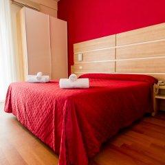 Hotel Monica комната для гостей