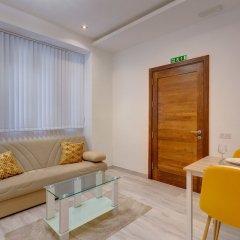 Отель Modern Apartment 20 Meters From the Promenade Мальта, Слима - отзывы, цены и фото номеров - забронировать отель Modern Apartment 20 Meters From the Promenade онлайн комната для гостей