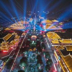 Отель Fu Rong Ge Hotel Китай, Сиань - отзывы, цены и фото номеров - забронировать отель Fu Rong Ge Hotel онлайн приотельная территория фото 2