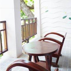 Отель Lomtalay Chalet Resort балкон