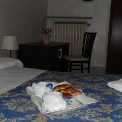 Отель Evans Guesthouse удобства в номере