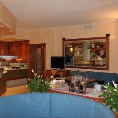 Отель Appartamenti Rosa Абано-Терме гостиничный бар