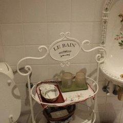 Отель Les Bluets Бельгия, Брюссель - отзывы, цены и фото номеров - забронировать отель Les Bluets онлайн ванная