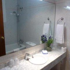 Отель Hostal Iznajar Barcelona Испания, Барселона - отзывы, цены и фото номеров - забронировать отель Hostal Iznajar Barcelona онлайн ванная фото 2