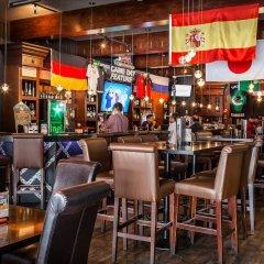 Отель Howard Johnson Hotel by Wyndham Vancouver Downtown Канада, Ванкувер - отзывы, цены и фото номеров - забронировать отель Howard Johnson Hotel by Wyndham Vancouver Downtown онлайн гостиничный бар