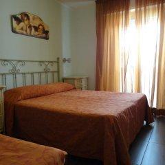 Отель Spiaggia Marconi Римини сейф в номере